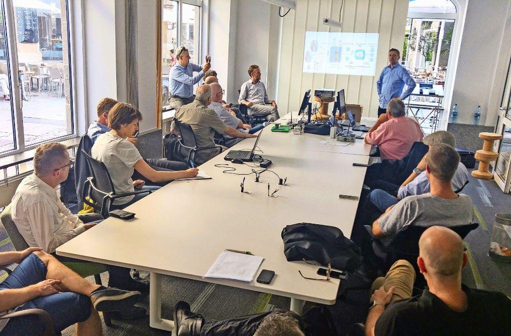 Die Veranstaltung im Stadtleben-Büro zum Internet der Dinge hatte Workshop-Charakter – und brachte erste Ergebnisse. Foto: Jürgen Brand