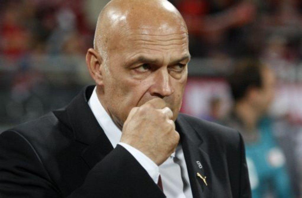13. Oktober 2010 - der 1. Trainerwechsel der Saison 2010/2011: Christian Gross wird beim VfB Stuttgart entlassen, sein ... Foto: dapd