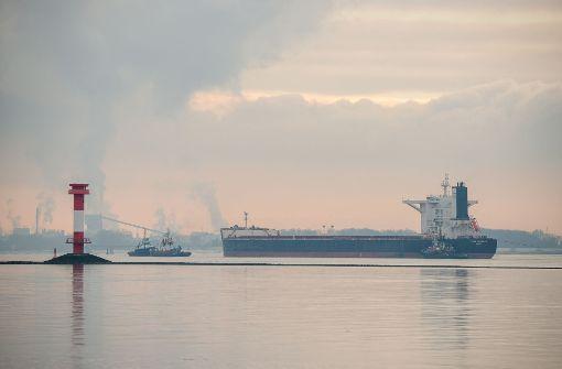 Havarierter Frachter behindert Schiffsverkehr