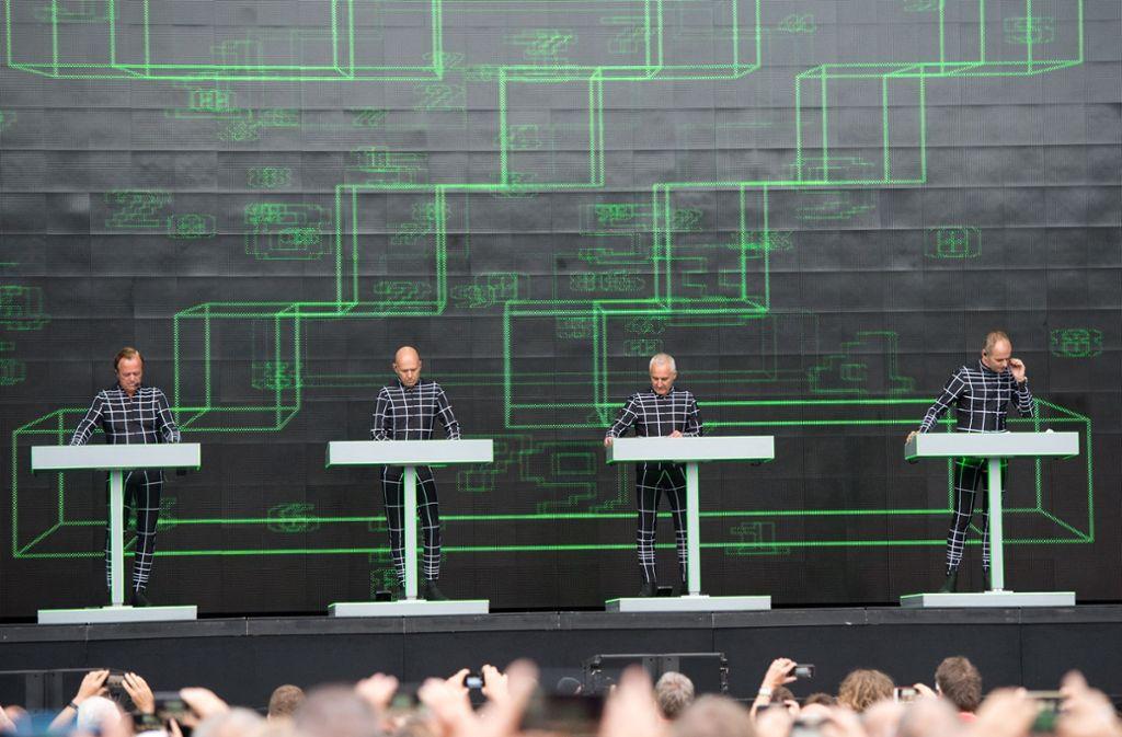 Kraftwerk beim nun bereits legendären Konzert bei den Stuttgarter Jazz Open 2018. Foto: Oliver Willikonsky