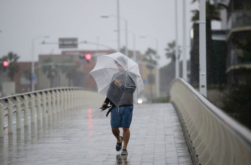 Wegen der Gefahr durch enorme Regenfälle  haben Japans Behörden für Tokio und sechs weitere Regionen die höchste Warnstufe ausgegeben. Foto: dpa/Jae C. Hong