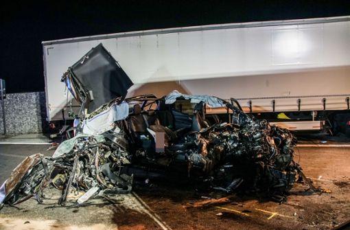Untersuchungen zu Unfall auf A8 bei Stuttgart abgeschlossen