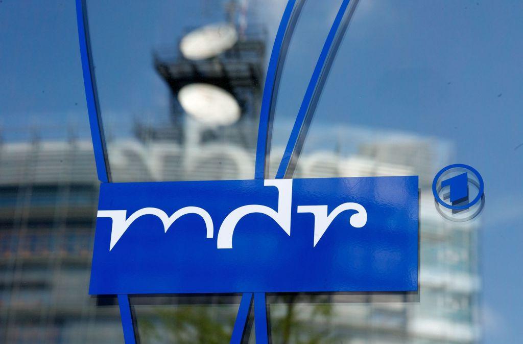 Ein Journalist des MDR ist in Erfurt bei Dreharbeiten angegriffen und verfolgt worden. (Symbolfoto) Foto: dpa