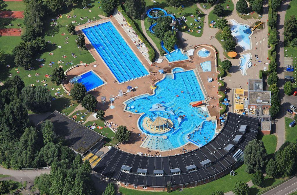 Das Leonberger Freibad wird derzeit saniert. Im Mai 2020 soll es wieder eröffnet werden. Foto:
