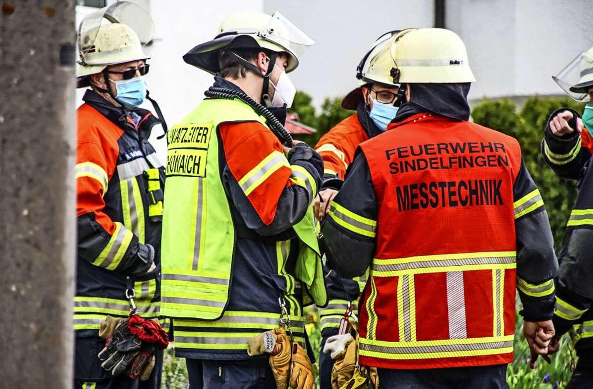 Ein Messtrupp der Freiwilligen Feuerwehr Sindelfingen stellte einen erhöhten Kohlenstoffmonoxid-Wert fest Foto: SDMG/Dettenmeyer