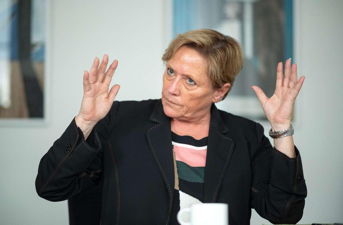 Susanne Eisenmann sieht wegen Corona keine Präsenzpflicht für Schüler vor. Foto: dpa/Sebastian Gollnow