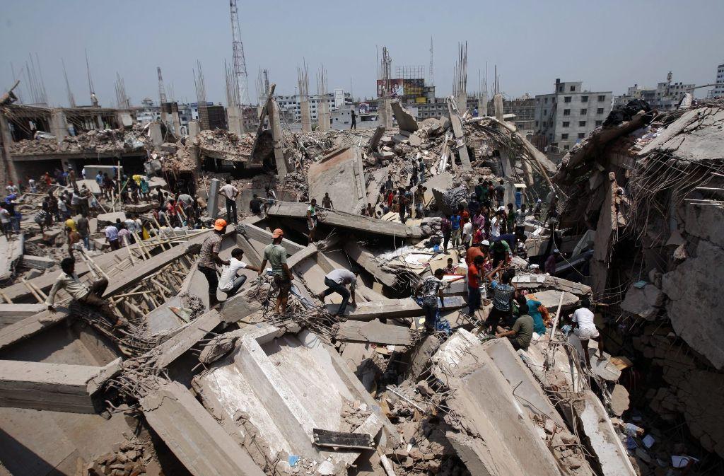 Auslöser für das Gesetz war die Tragödie von Rana Plaza im Jahr 2013, als in Bangladesh mehr als tausend Textilarbeiter beim Einsturz eines Gebäudes ums Leben kamen. Foto: dpa