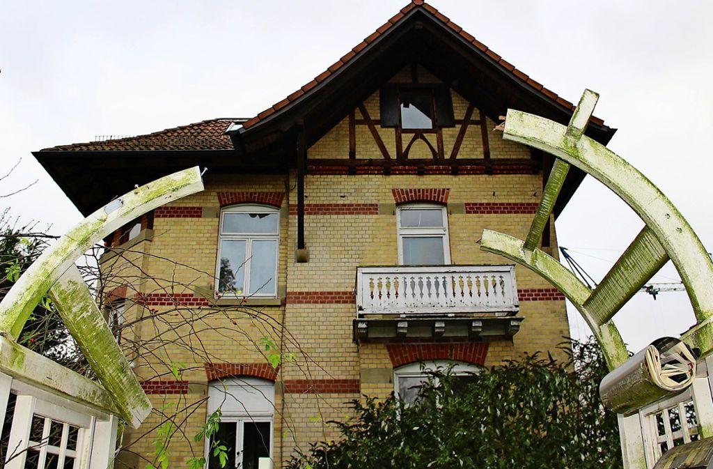 Die Villa an der Waldstraße wurde  Ende des 19. Jahrhunderts gebaut. Sie ist eines von mindestens drei sogenannten Judenhäusern in Degerloch. Foto: privat, Caroline Holowiecki (3)