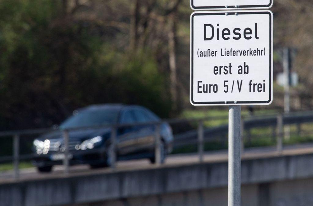 Über eine Ausweitung auf Euro-5-Modelle wird auch in Stuttgart nachgedacht. Foto: dpa-tmn/Marijan Murat