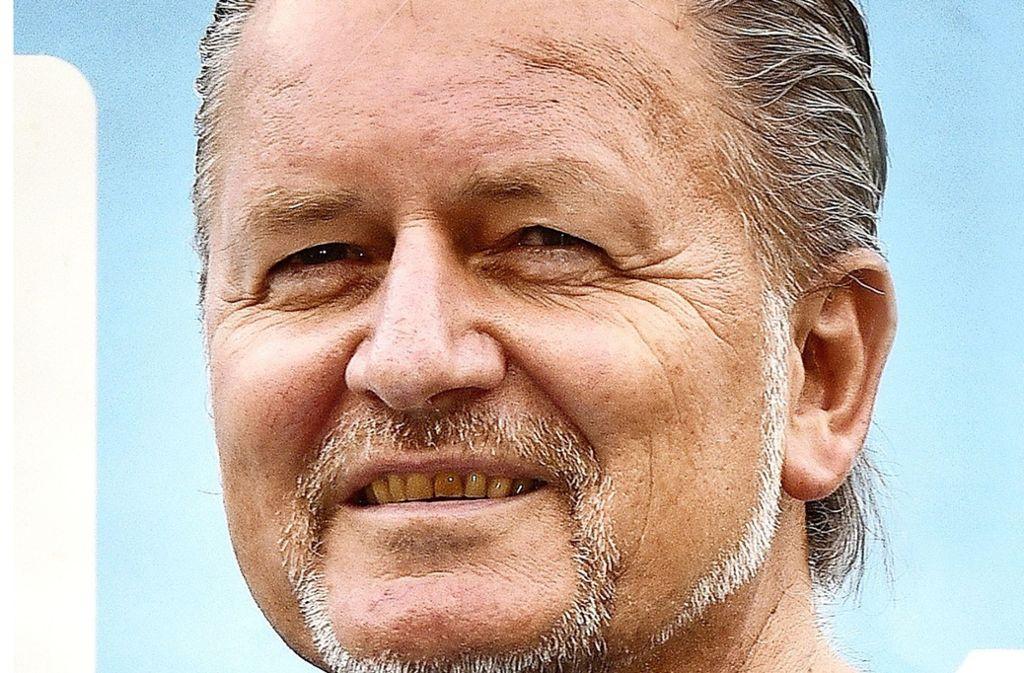 Den Möhringer Coach Karl-Heinz Fuhrmann plagen vor dem Derby wieder große Personalsorgen. Foto: Günter  Bergmann