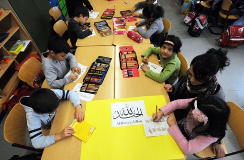 Islamunterricht an baden-württembergischen Schulen, wie hier in Friedrichshafen, ist nicht neu, aber es fehlt noch an den tragfähigen Strukturen. Foto: dpa