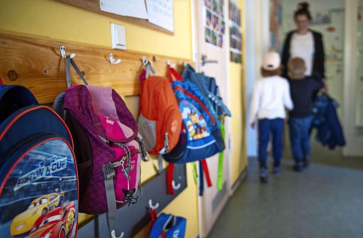 Statt einer Ganztags- gibt es in zwei Ludwigsburger Kitas nur noch Halbtagsbetreuung, was viele Eltern vor große Probleme stellt. Foto: dpa//Monika Skolimowska
