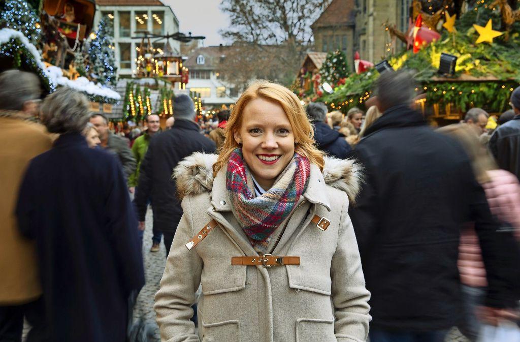 Alle Jahre wieder: Nina Rausch besucht ihre Heimat und  natürlich auch den Stuttgarter Weihnachtsmarkt. Foto: Frank Eppler