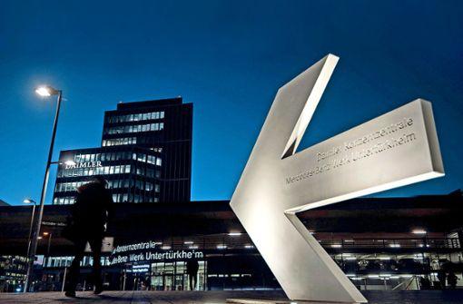 Hassposts wühlen   Daimler auf
