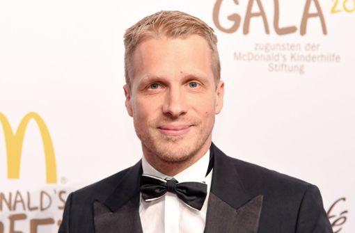 Oliver Pocher erntet Kritik für Lagerfeld-Post