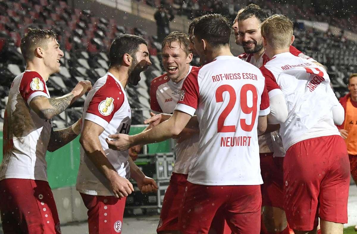 Die Essener hatten zuvor schon Bundesligist Arminia Bielefeld und Zweitligist Fortuna Düsseldorf ausgeschaltet. Foto: dpa/Martin Meissner