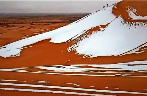 Schnee in der Wüste Sahara
