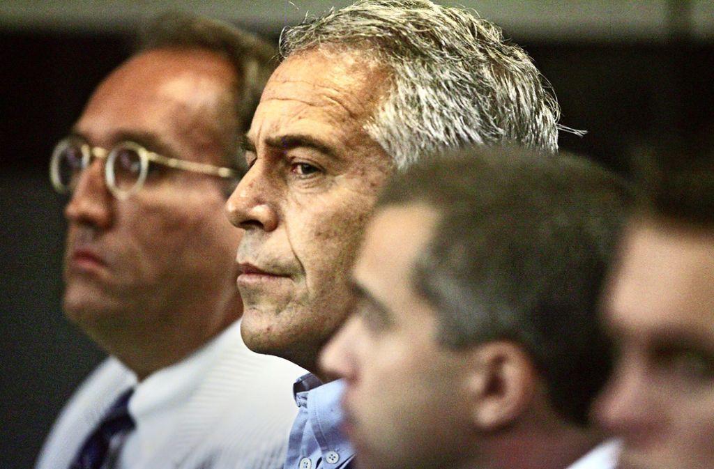 Jeffrey Epstein 2008 im Gericht von West Palm Beach Foto: AP