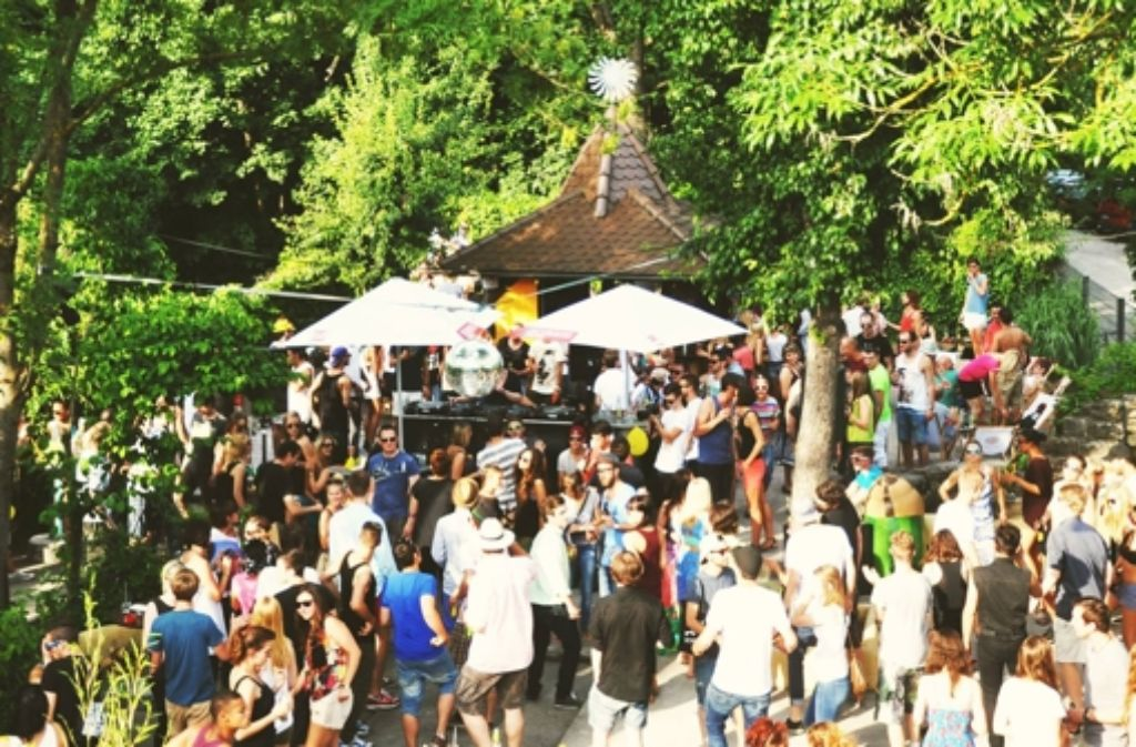 """Fans elektronischer Musik kommen beim Open Air """"Bass am Sonntag"""" auf ihre Kosten.  Foto: privat"""
