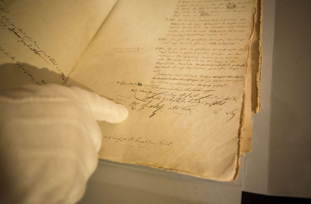 Entwurf der badischen Verfassung, unterschrieben vom Großherzog Foto: Lichtgut/Leif Piechowski