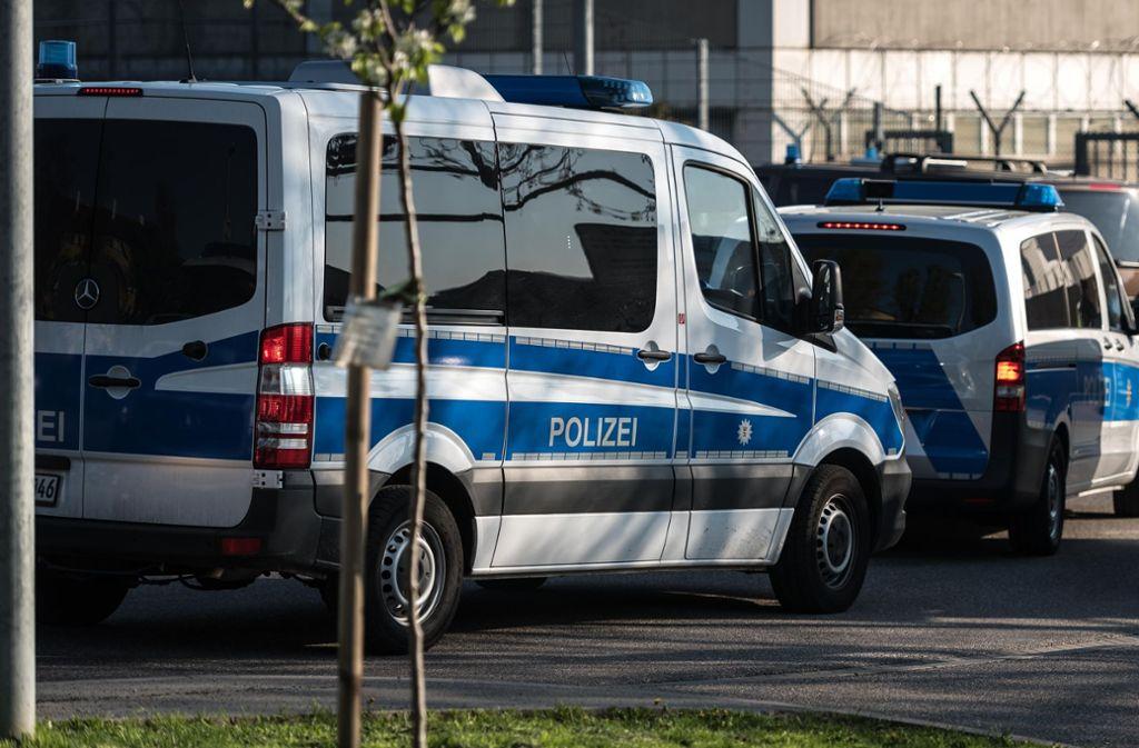 Die Polizei setzt auf massive Präsenz. Nicht nur wie hier beim Prozess in Stuttgart, sondern auch im Kreis Ludwigsburg. Foto: Lichtgut/Max Kovalenko