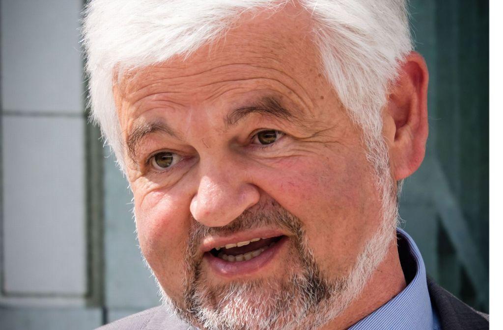 Regierungspräsident Wolfgang Reimer (Grüne) hält ein Fahrverbot am Ncckartor für unzulässig und wehrt sich mit juristischen Mitteln dagegen. Foto: Lichtgut/Achim Zweygarth