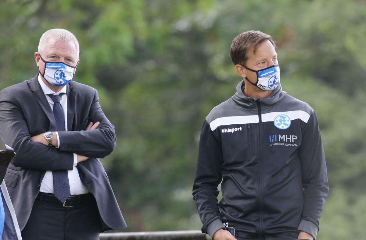Präsiden Rainer Lorz (li.), Trainer Ramon Gehrmann: Spiel gegen den FV Ravensburg muss verlegt werden. Foto: Baumann/Hansjürgen Britsch