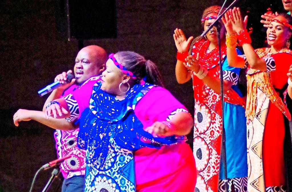 Pure Lebensfreude gepaart mit begnadeten Stimmen: der Soweto Gospel Choir.    Foto: Wolf Erdel