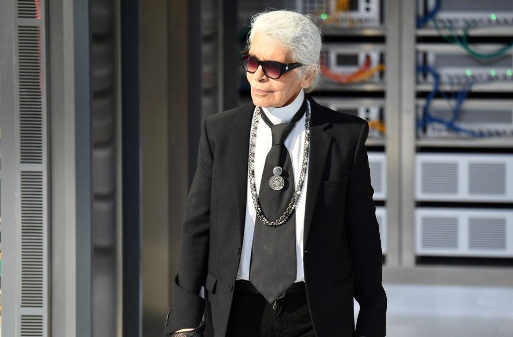 Der Modeschöpfer Karl Lagerfeld sagte der Presse gegenüber, der Überfall auf Kim Kardashian werfe ein schlechtes Bild auf Paris. Foto: Getty Images Europe