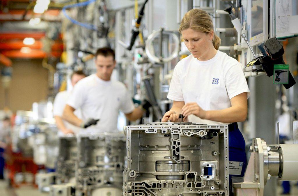 Wegen Corona drosselt der Autozulieferer ZF in Friedrichshafen am Bodensee seine Produktion. Foto: ZF Friedrichshafen AG