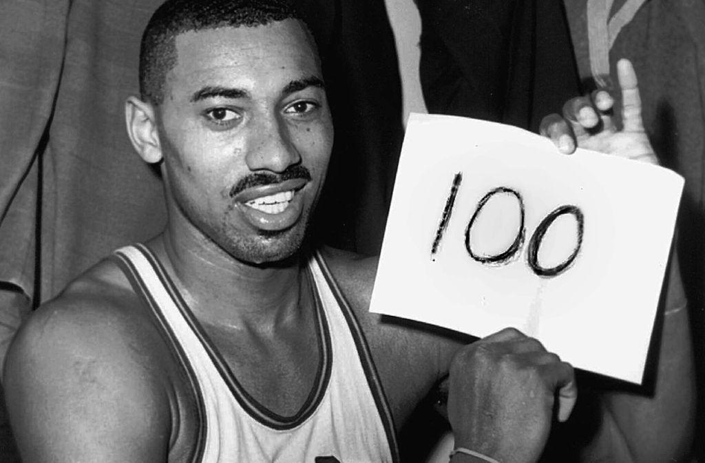 100 Punkte in einem NBA-Spiel. Unvorstellbar und bis heute unerreicht: Wilt Chamberlain. Foto: AP