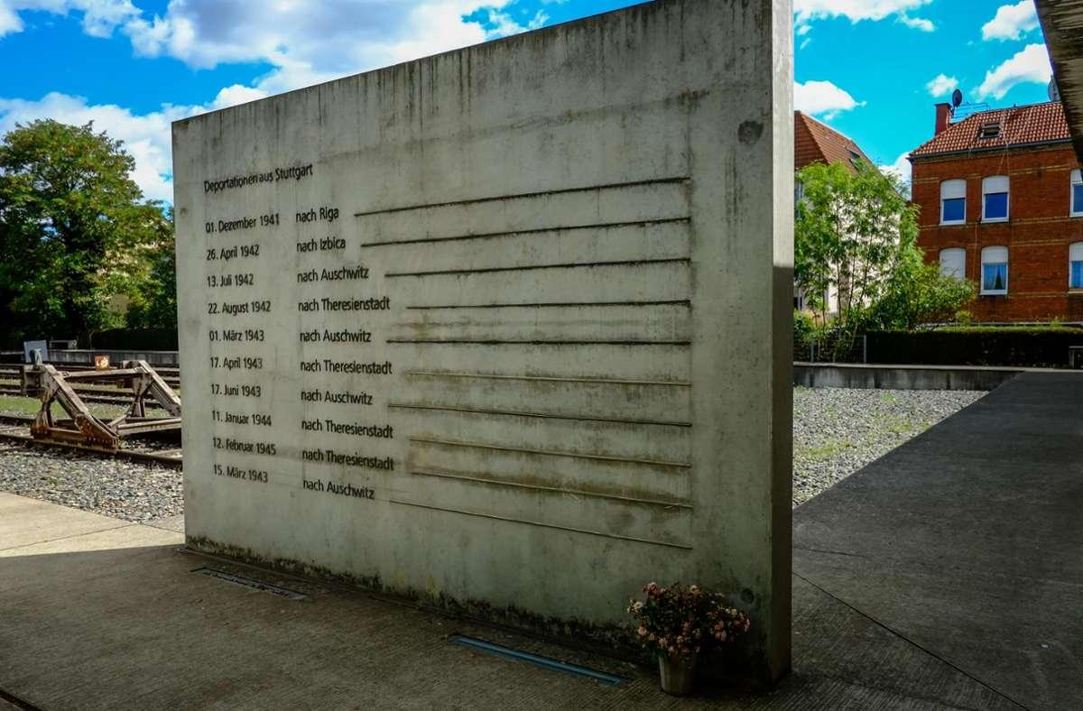 """Die Gedenkstätte """"Zeichen der Erinnerung"""" am Nordbahnhof erinnert an die Deportationen aus Stuttgart. Foto: Lichtgut/Max Kovalenko"""