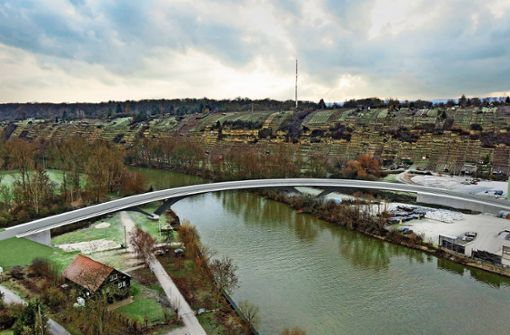 Im eleganten Bogen über den Neckar