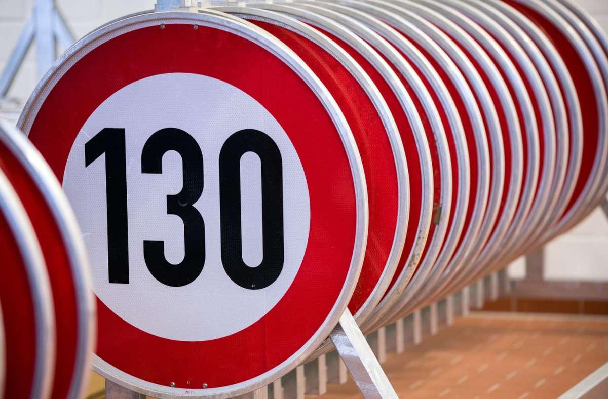 Maximal Tempo 130 auf Autobahnen? Immerhin 54 Prozent der Befragten befürworten ein Tempolimit. Foto: dpa/Jens Büttner