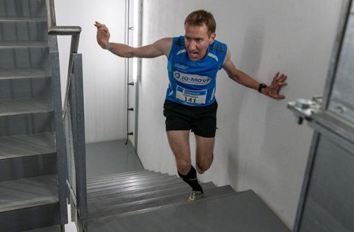 Hunderte Sportler nehmen am Treppenhauslauf teil