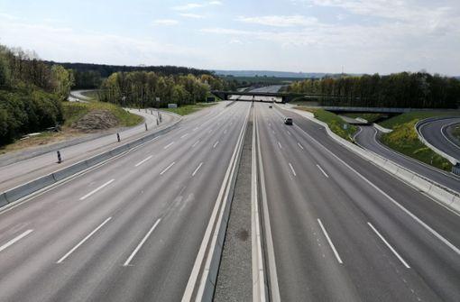 Dreijährige zu Fuß auf Autobahn unterwegs – 31-Jähriger wird zum Retter