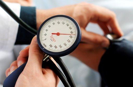 Hohen Blutdruck medikamentös behandeln