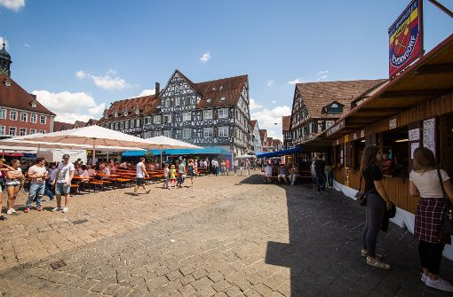 Massenrandale und sexuelle Übergriffe: Volksfest in Baden-Württemberg läuft aus dem Ruder
