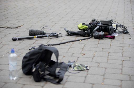 Polizei wertet Fotos und Videos zu Überfall auf ZDF-Team aus
