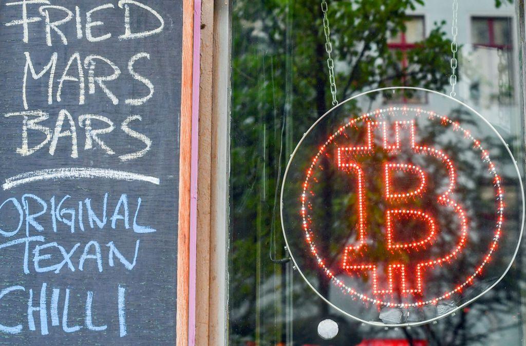 In Berlin hat sich eine Bitcoin-Kneipe angesiedelt. Foto: dpa