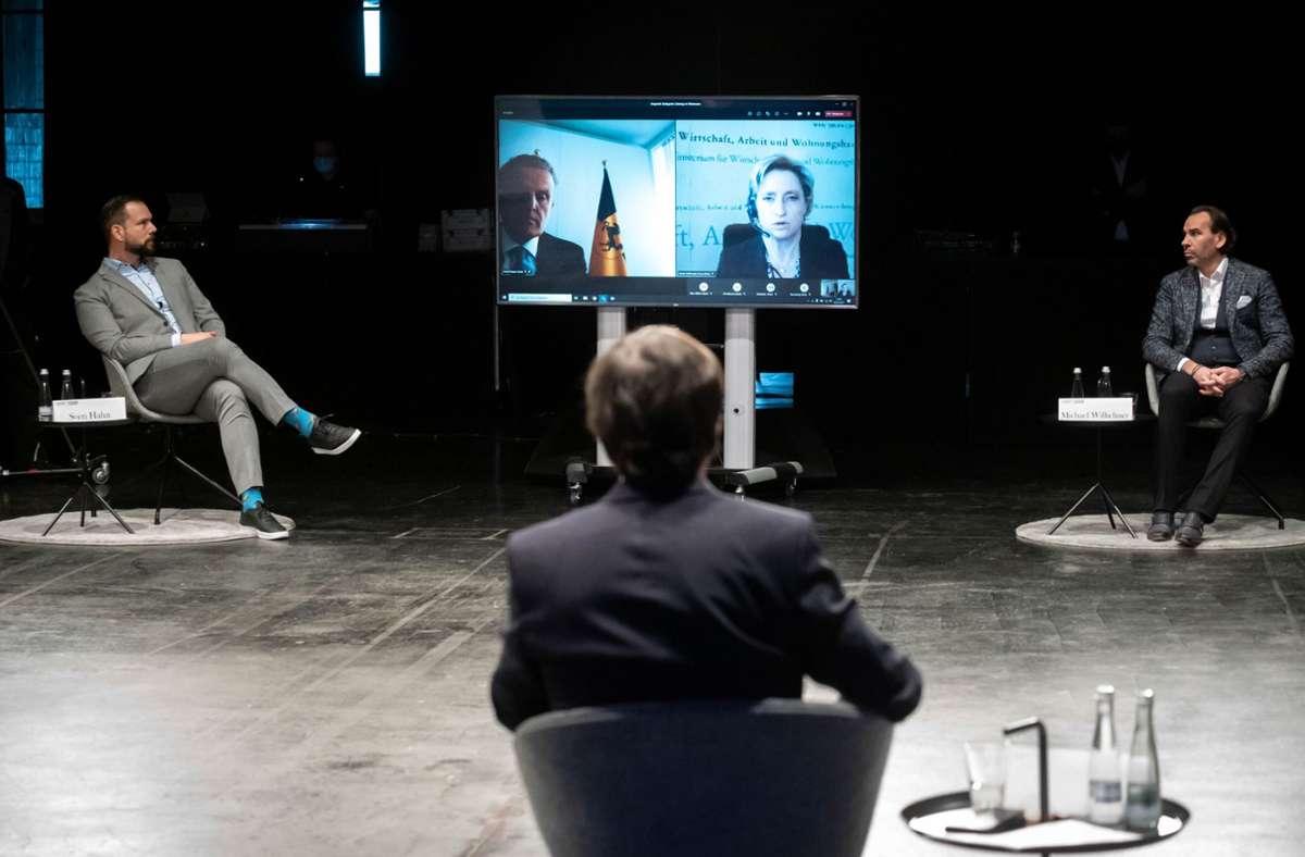 Wirtschaftsministerin Nicole Hoffmeister-Kraut beim Round-Table unserer Zeitung mit Vertretern der Veranstaltungsbranche im Wizemann. Foto: Lichtgut/Achim Zweygarth