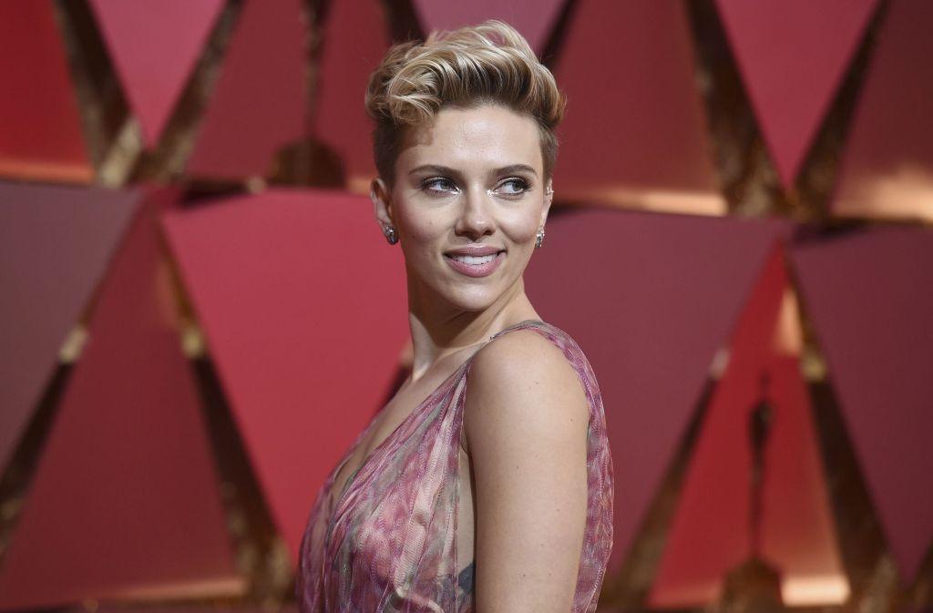 Scarlett Johansson kritisiert die Tochter des Präsidenten in einem fiktiven Werbeclip. Foto: AP