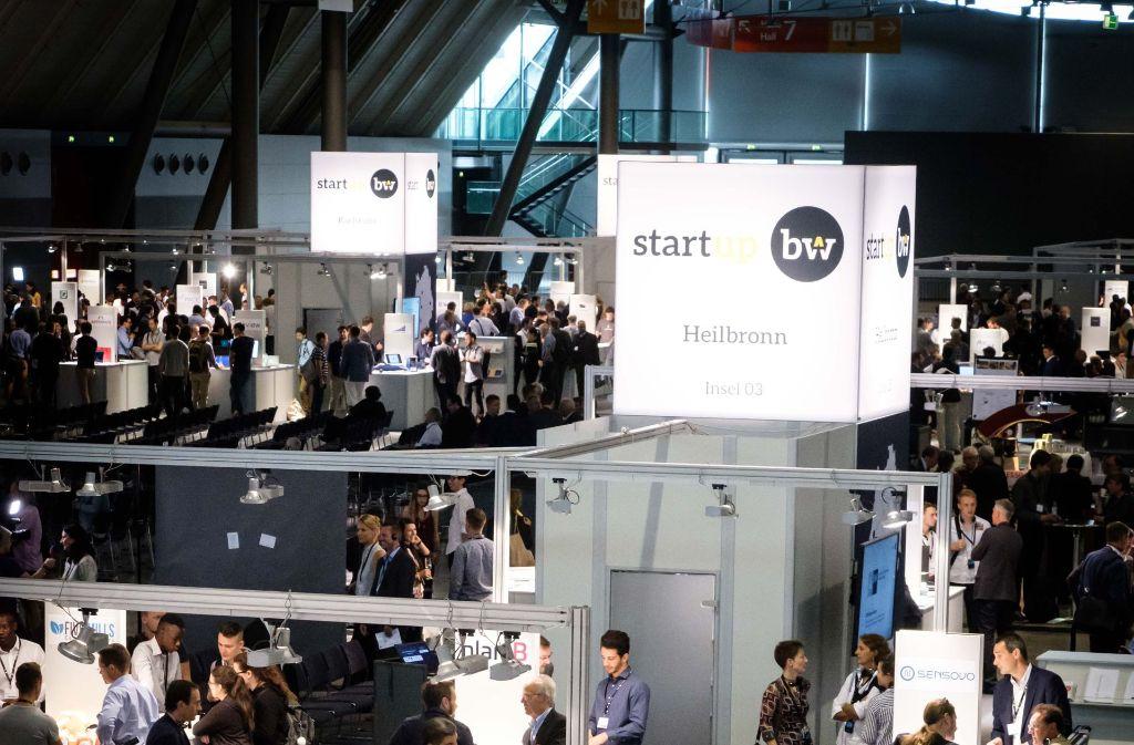Von Insel zu Insel: Auf dem Start-up Gipfel BW präsentierten sich die unterschiedlichsten Regionen. Foto: Lichtgut/Achim Zweygarth