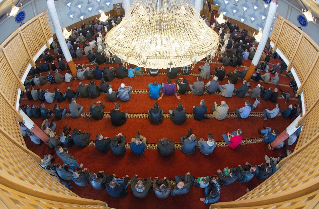 Die Mannheimer Moschee musste am Donnerstag geräumt werden (Symbolbild). Foto: dpa/Uwe Anspach