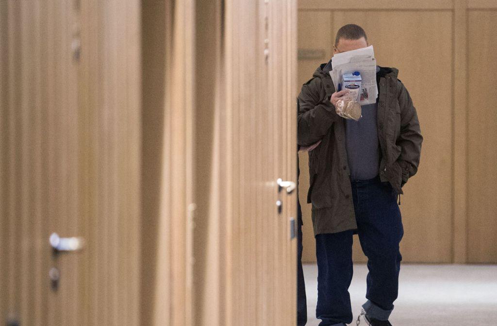 Tino Brandt wurde wegen Versicherungsbetrugs und anderer Straftaten verurteilt. Früher fiel er eher als einer der bekanntesten Neonazis auf. Foto: dpa
