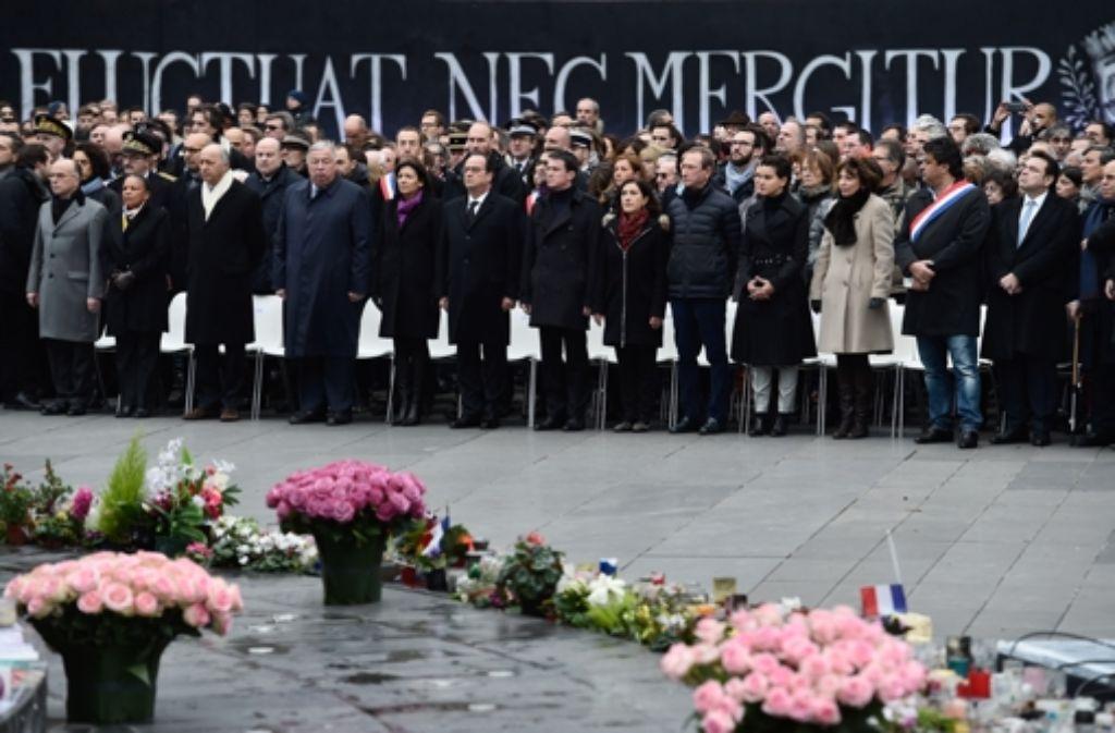Zahlreiche französische Minister sind bei der Gedenkveranstaltung zu Ehren der Opfer des Attentats gegen Charlie Hebdo. Foto: Getty Images Europe