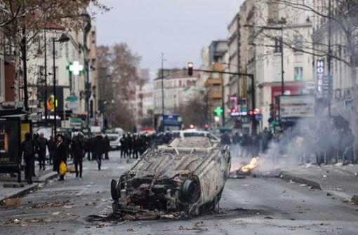 Macron sucht Ausweg aus der Krise