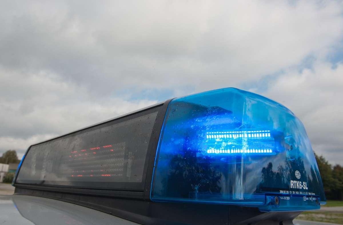 Polizei im Einsatz (Symbolbild) Foto: dpa/Armin Weigel