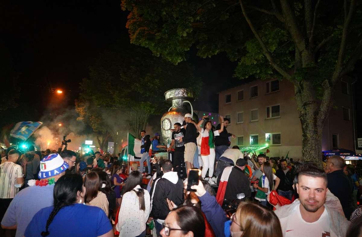 In Fellbach feierten die Fans ausgelassen. Foto: Andreas Rosar Fotoagentur-Stuttg