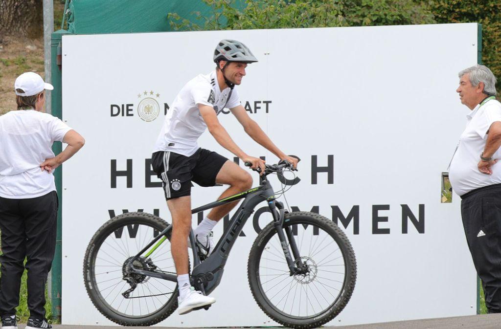 """""""Herzlich Willkommen"""" – das gilt für Menschen, die dem deutschen Nationalteam nahe kommen wollen, längst nicht mehr. Foto: dpa"""